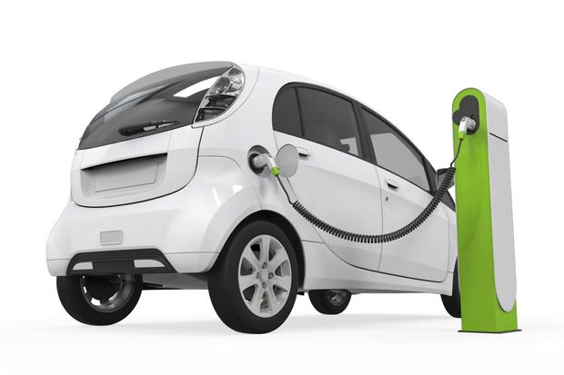 Mennyi ideig tart feltölteni egy elektromos autót?